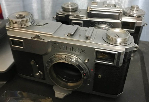 Repair: Zeiss Ikon Contax 2 Part 1 | Richard Haw's Classic